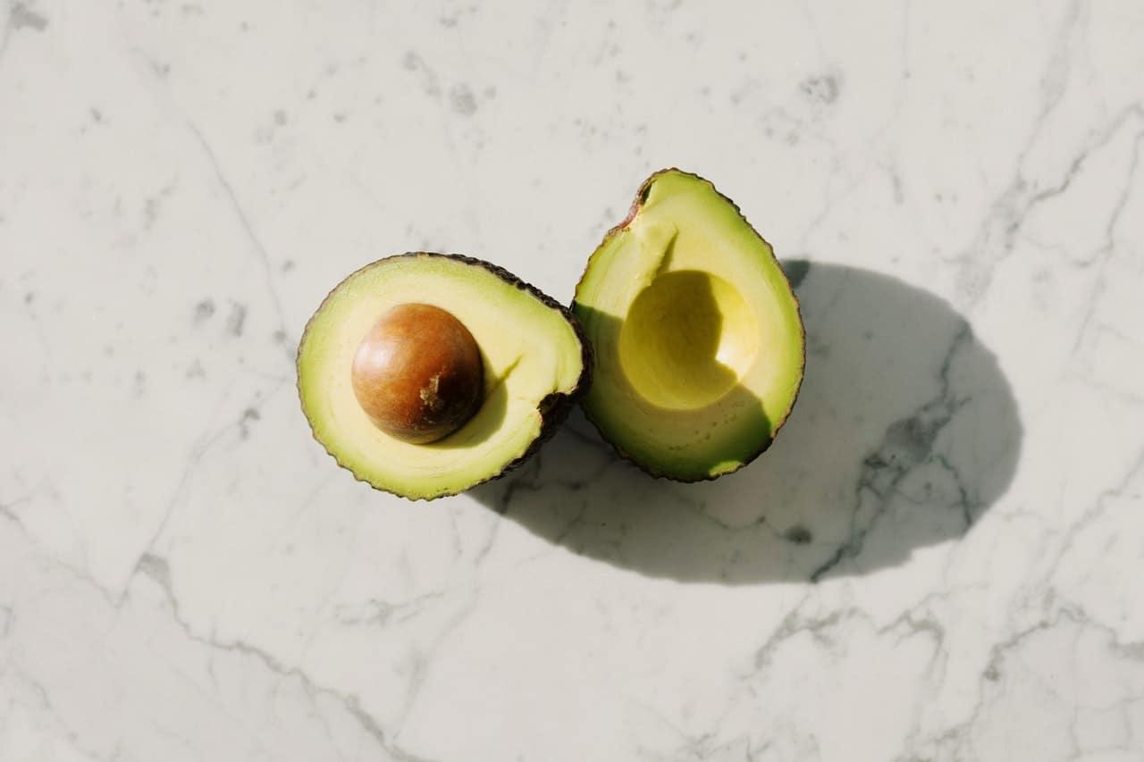 Comment Faire Germer et Planter un Noyau d'Avocat ? - Kalikoba